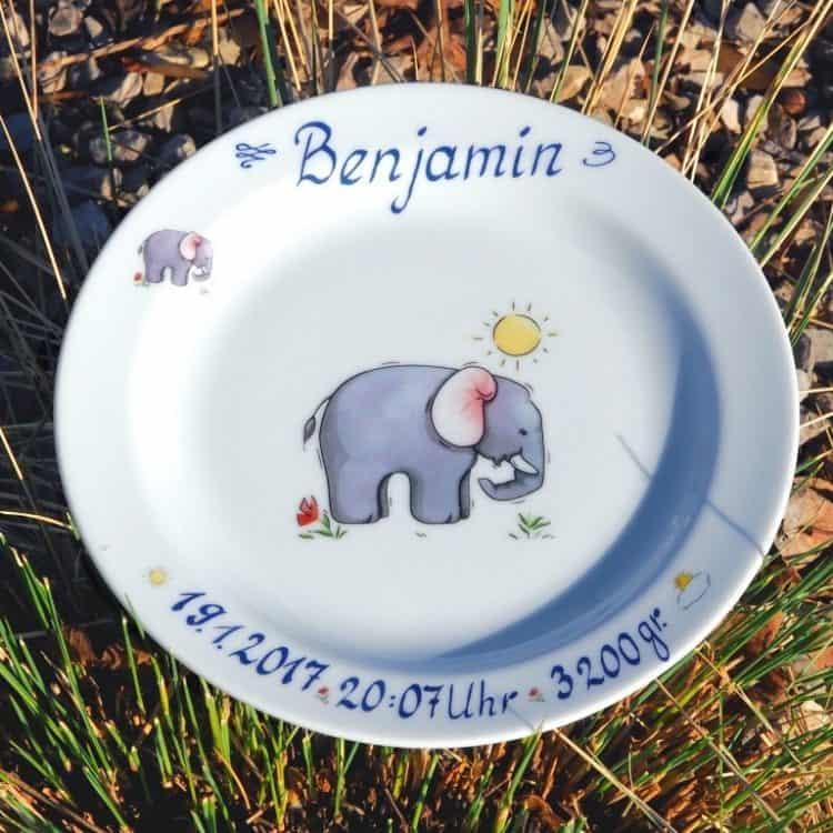 Teller mit Geburtsangaben aus Porzellan Elefant Name