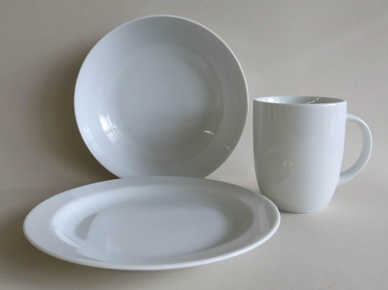 Kindergeschirr, Frühstücksset aus Porzellan mit Teller, Schale Coup und Becher 260 ml