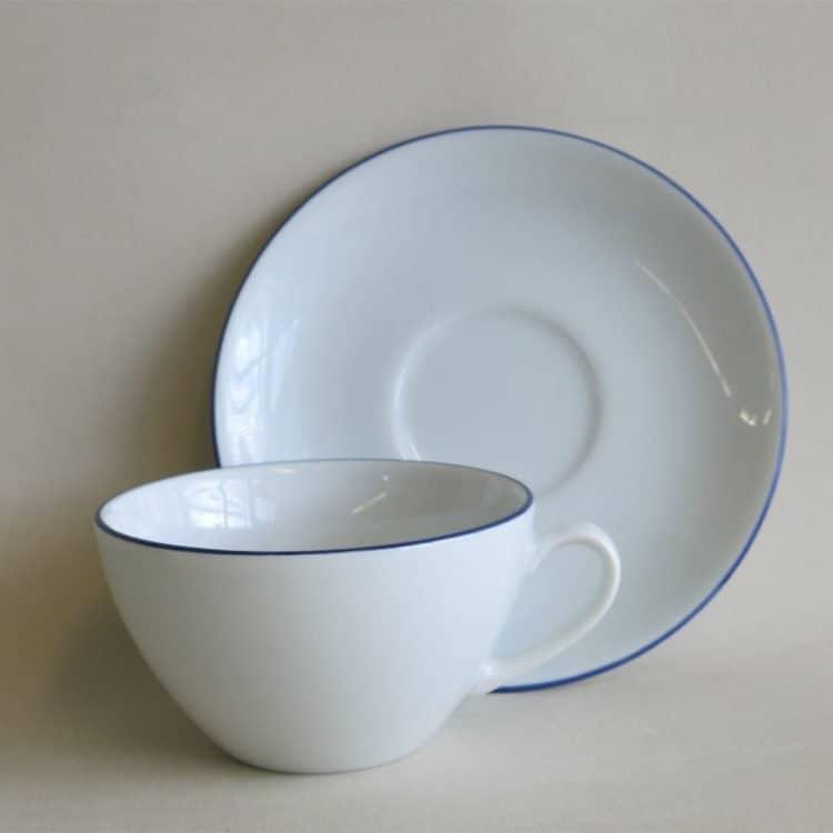Blau gerändelte Teetasse Carlo mit passendem Unterteller