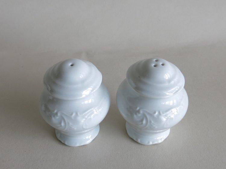 Porzellan Pfeffer -und Salzstreuer Friederike