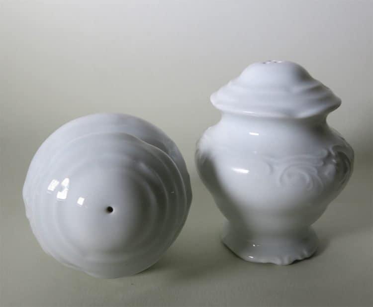 Friederike Porzellan Salzstreuer liegend