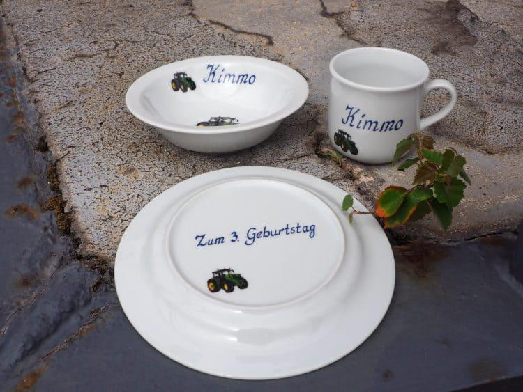 Zum Geburtstag mit Zahl Widmungen auf Porzellan für Jung und Alt.