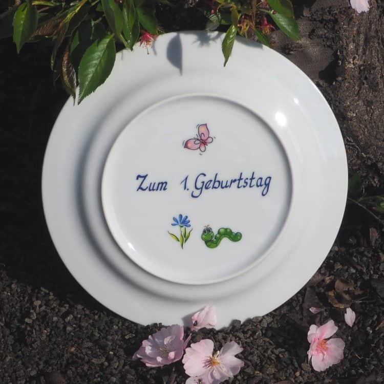 Widmungen zurm Geburtstag auf Porzellan. Pesönliches Geschenk mit Namen