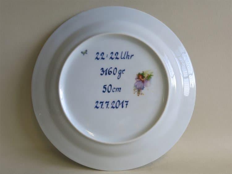 Geburtsangaben. Widmung zur Geburt mit Datum Größe Gewicht und Uhrzeit auf Porzellan