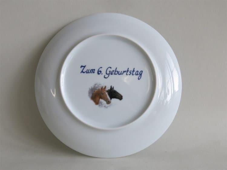 Zum Geburtstag mit Zahl Widmungen auf Porzellan gebrannt. Geschenke für Kinder und Erwachsene
