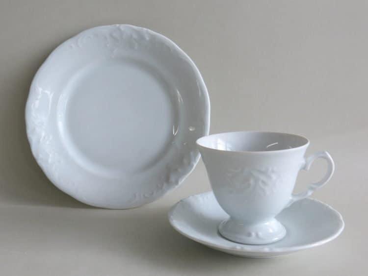 Dreiteiliges Kaffeegedeck Porzellan Friederike mit Tasse auf Füßchen
