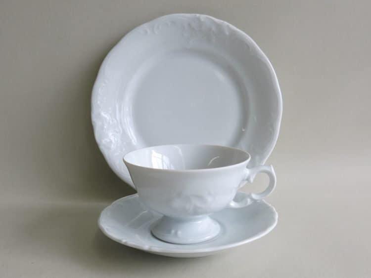 Teegedeck Friederike mit Tasse auf Füßchen und Teller 19 cm