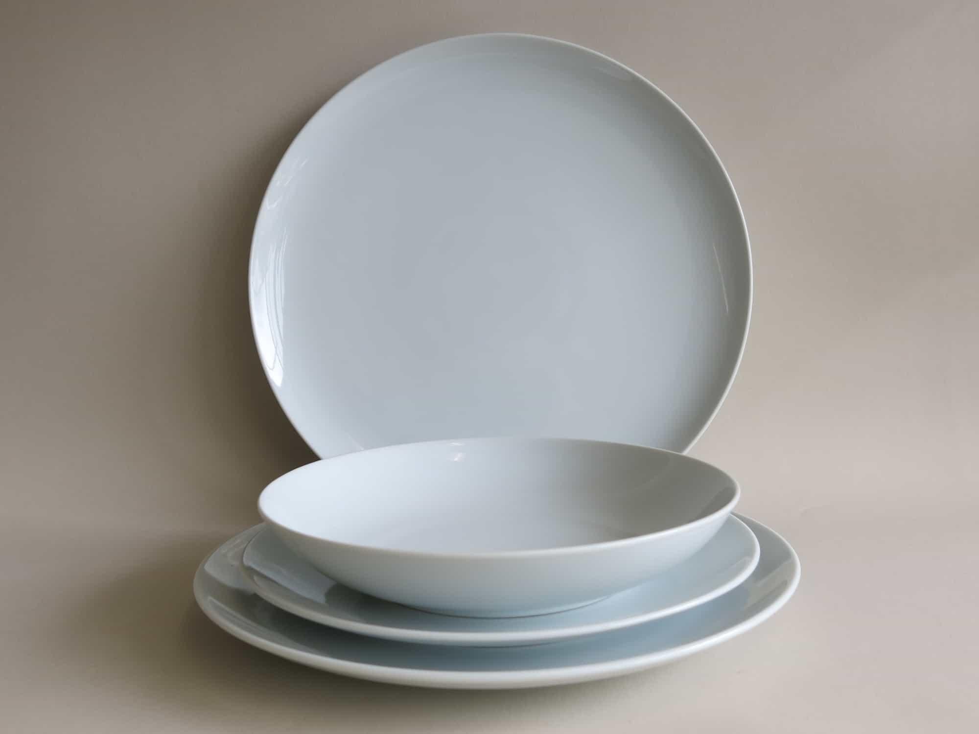 Ess und Suppenteller Ole weiß aus Porzellan.