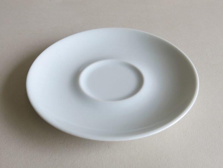 Untertasse für Kaffeetasse Ole weiß aus Porzellan.