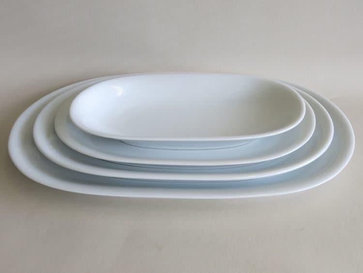 Porzellanplatten in weiß