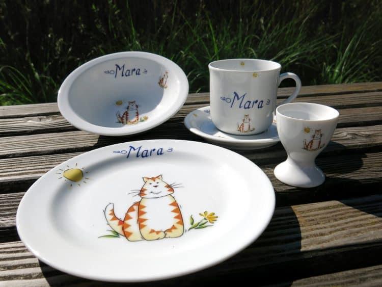 Porzellan mit Namen und Katze