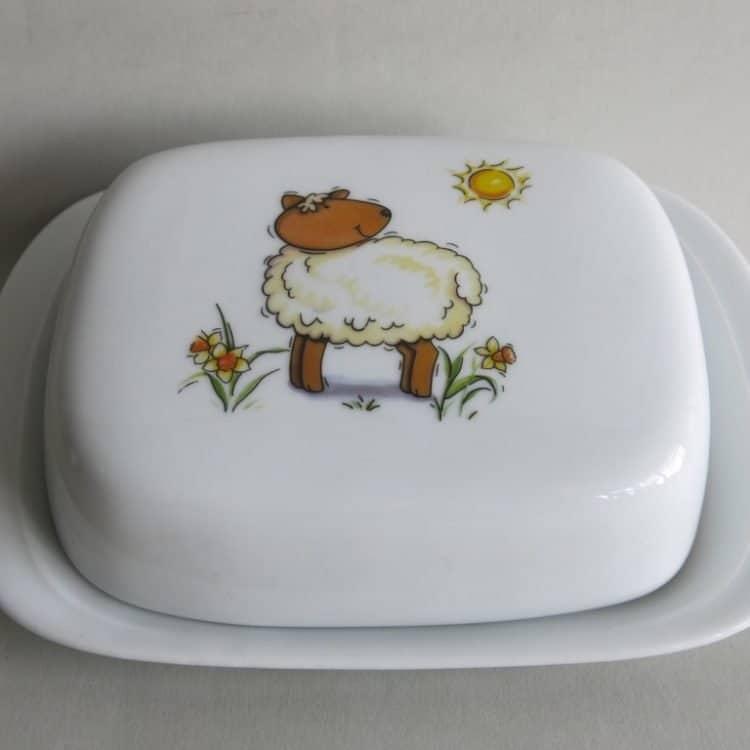Butterdose mit Schäfchen und Sonne aus Porzellan