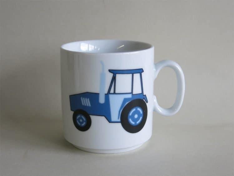 Kindergartenporzellan Becher Lukas Traktor