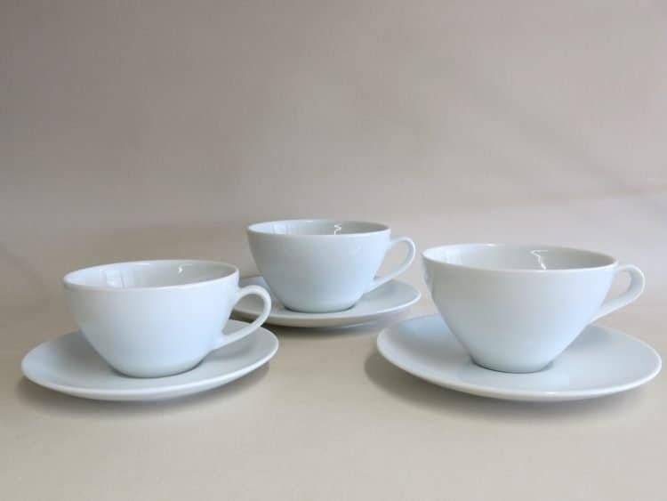 Drei Porzellan Teetassen Carlo