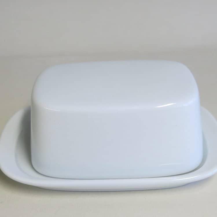 Glatte Butterdose aus weiße Porzellan für 125 gr. Butter