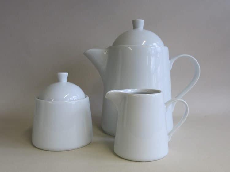 Porzellan Teekanne Milchgießer u. Zuckerdose Opty
