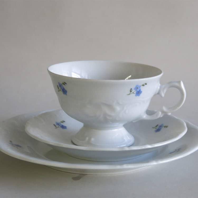 Gedeck Teetasse mit Füßchen Friederike Vergissmeinnichtstreuern