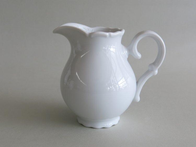 Weißer Porzellanmilchgießer Ofelie