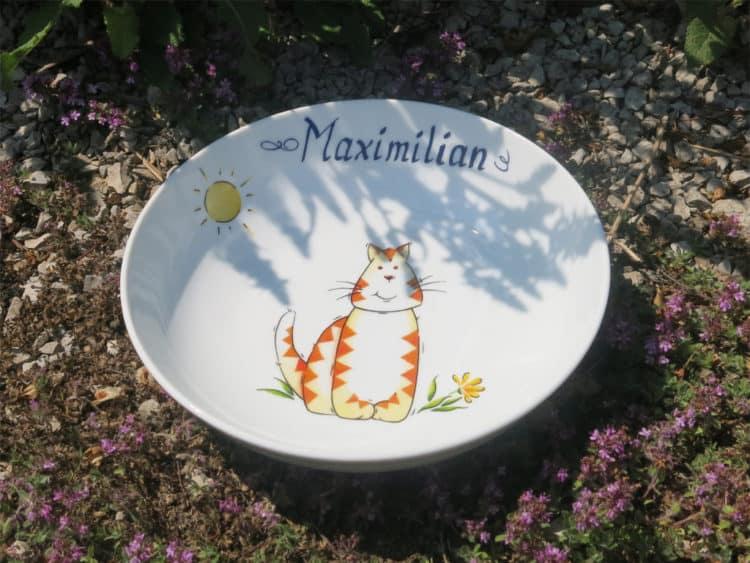 Schale aus Porzellan mit Katze und Namen
