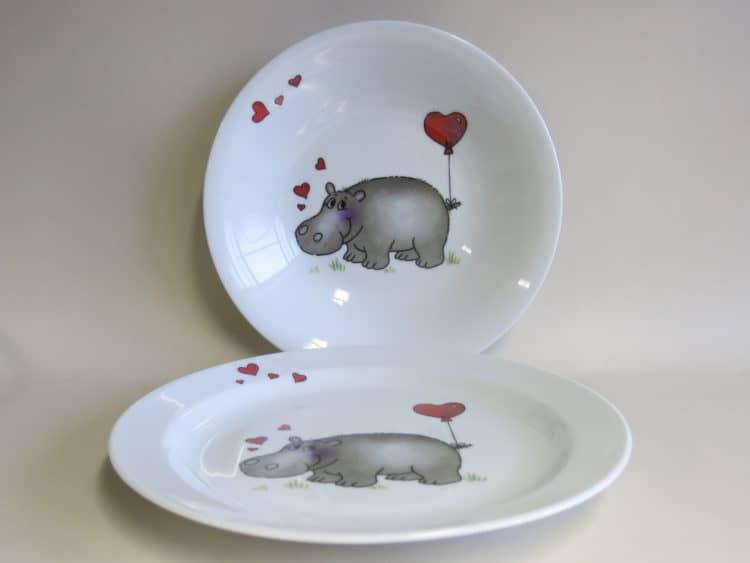 Kindergeschirr Porzellan Essteller 24 cm und Suppenteller 22 cm Nilpferd mit Herz