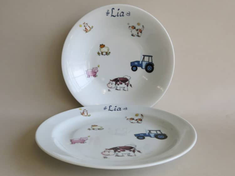 Essteller und Suppenteller mit Bauernhof mit Traktor und Namen