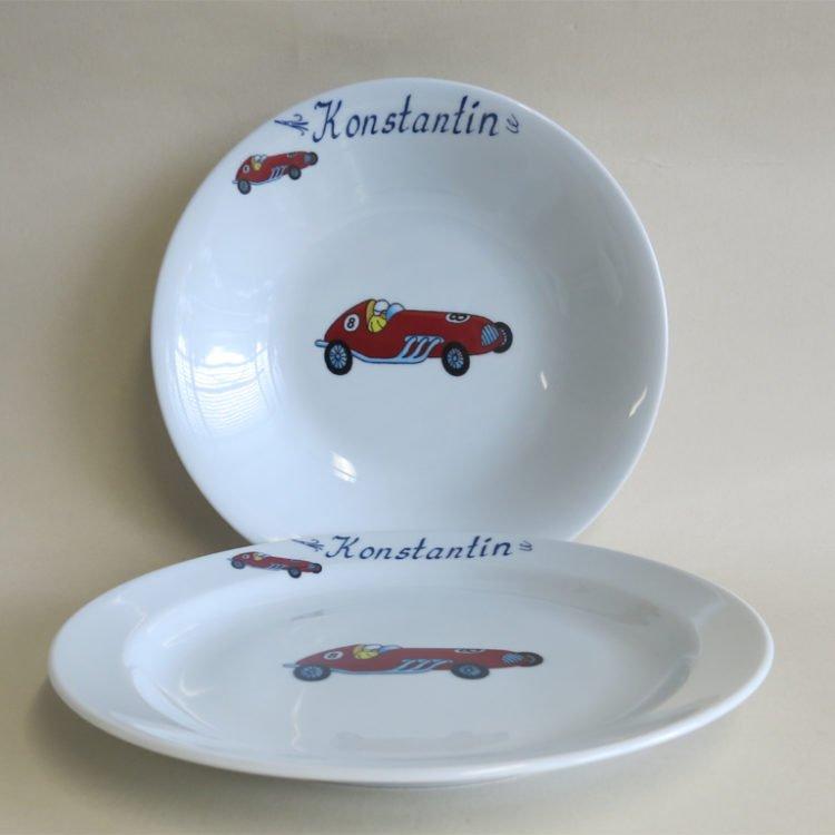 Suppenteller 22 cm und Essteller 24 cm aus weißem Porzellan mit Rennauto und Namen personalisiert