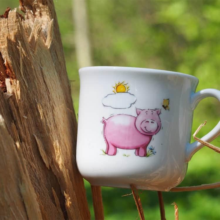 Kinderbecher 230 ml aus Porzellan mit Schwein und Sonne
