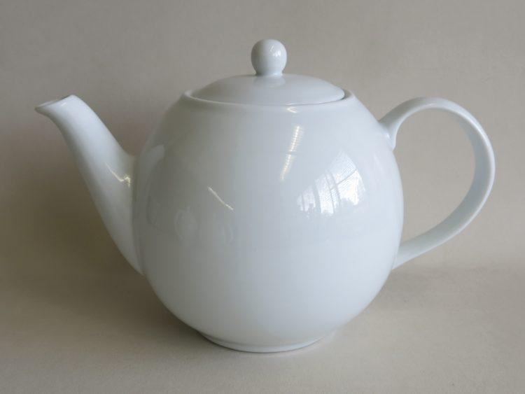 Weiße Teekanne aus Porzellan 1200ml
