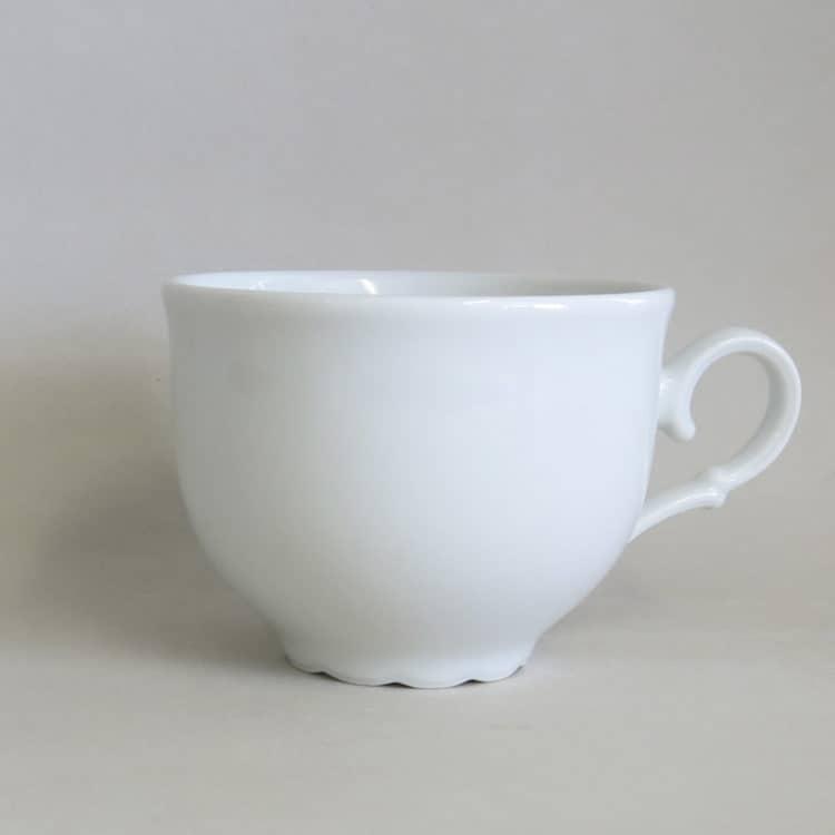 Weiße rundliche Porzellan Teetasse Ofelie