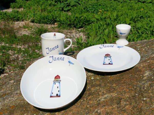 Kindergeschirr Porzellan Set mit Becher, Teller, Schale mit Leuchtturm rot