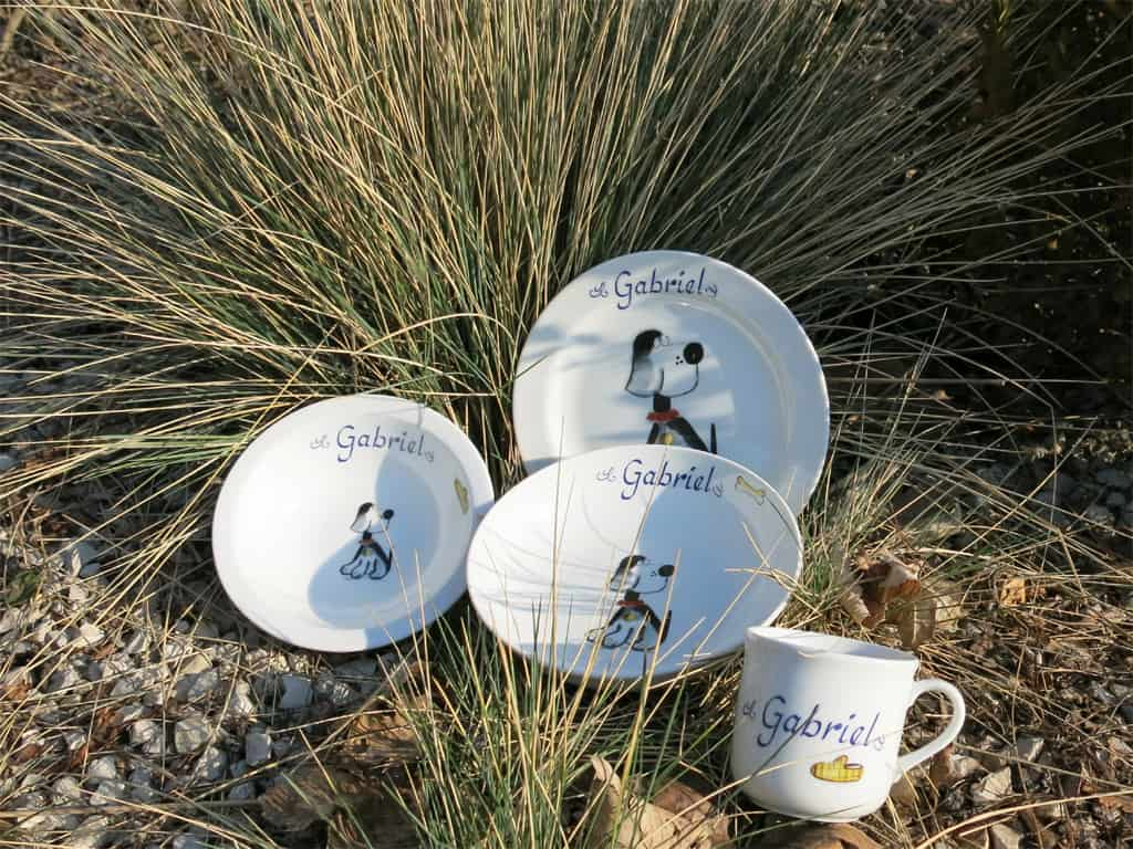 Kindergeschir Porzellan Set Becher, Teller, Schale, Müslischüssel mit Beagle Mimi und Namen