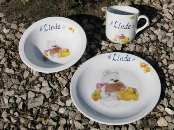 Frühstücksgeschirr Porzellan Set mit Becher, Teller und Müslischüssel mit Kaninchen mit Schmuseteddy