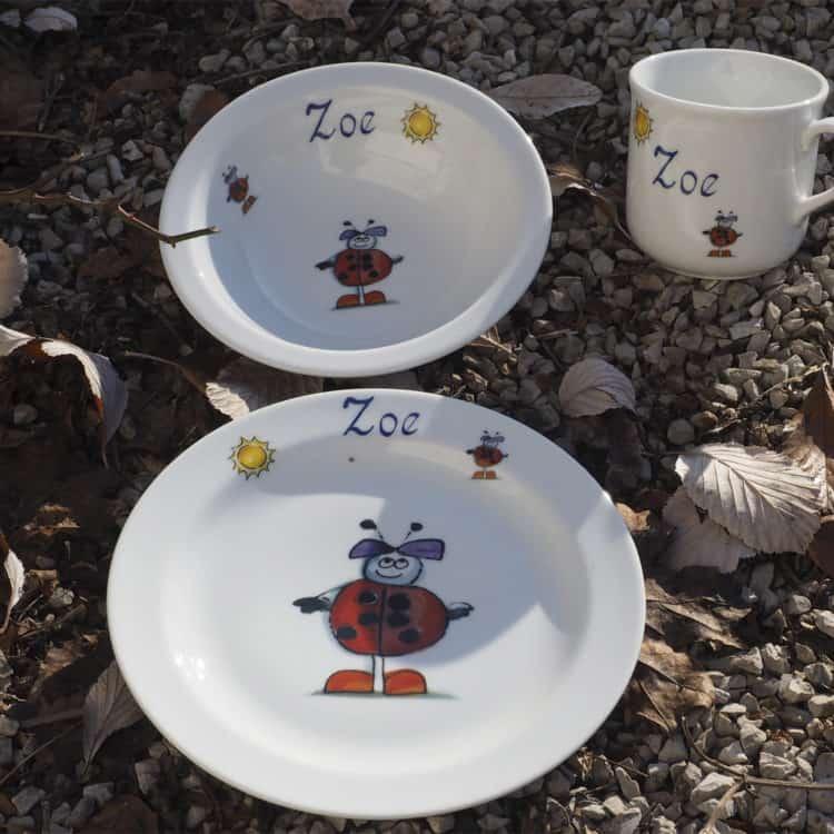 Kindergeschirr Porzellan Set Becher, Teller und Müslischüssel mit Marienkäferkind und Sonne