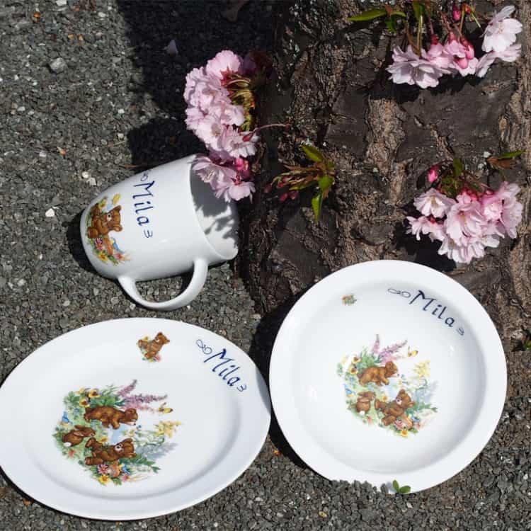 Kindergeschirr Porzellan Set Becher, Teller und Müslischüssel mit Teddies im Wald