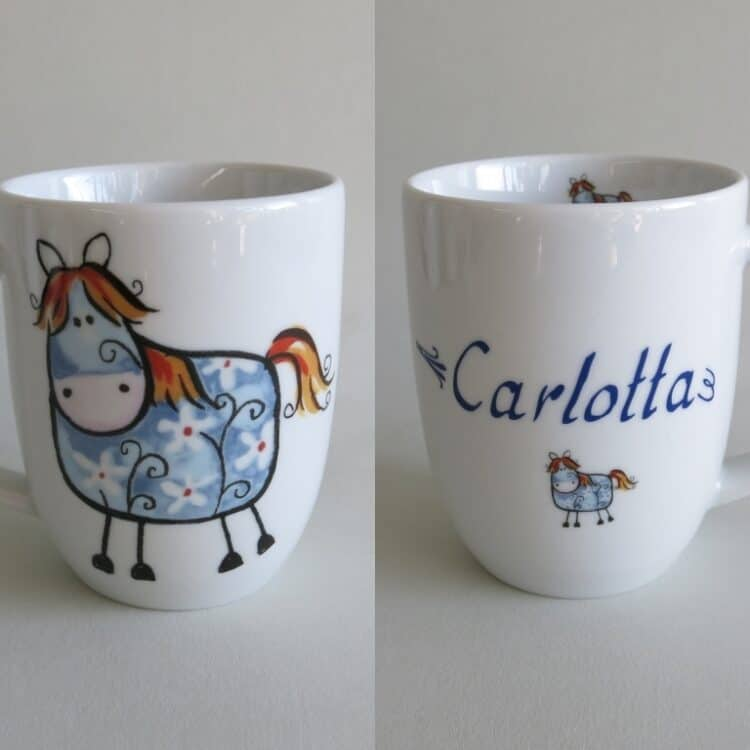 Frühstücksgeschirr Porzellan rundlicher Becher 260ml Farm kunterbunt mit blauen Pferdchen Btty und Namen