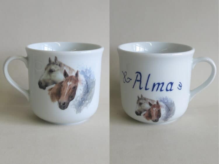 Frühstücksgeschirr Porzellan kleiner Becher 230ml mit Pferdeköpfen braun weiß und Namen