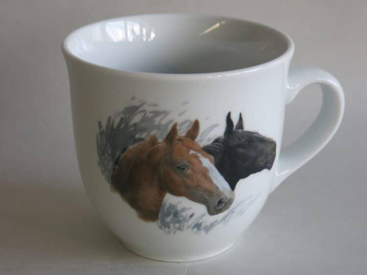 Frühstücksgeschirr Porzellan großer Becher 400ml mit Pferdeköpfe braun und schwarz