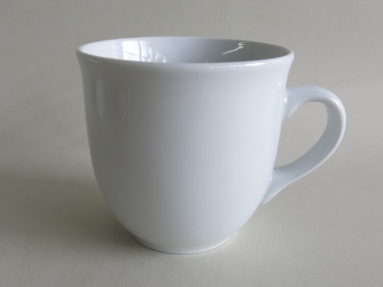 weißer Porzellan Becher Mirek 400 ml