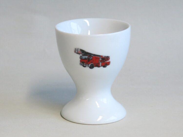 Frühstücksgeschirr Porzellan hoher Eierbecher mit realistischer Feuerwehr