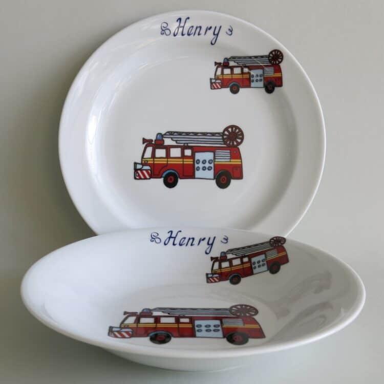Kindergeschirr Porzellan Set, flacher Teller 24cm und tiefer Teller 22cm mit Feuerwehr und Namen