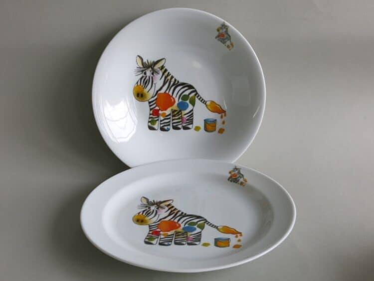 Kindergeschirr Porzellan Set, flacher Teller 24cm und tiefer Teller 22cm mit Zebra