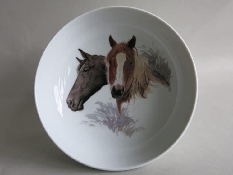Kindergeschirr Porzellan tiefe Schale 18cm mit Pferdeköpfen Haflinger und Rappe