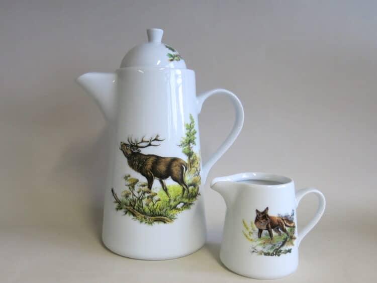 Kaffeekanne Opty röhrender Hirsch und Milchgießer Fuchs