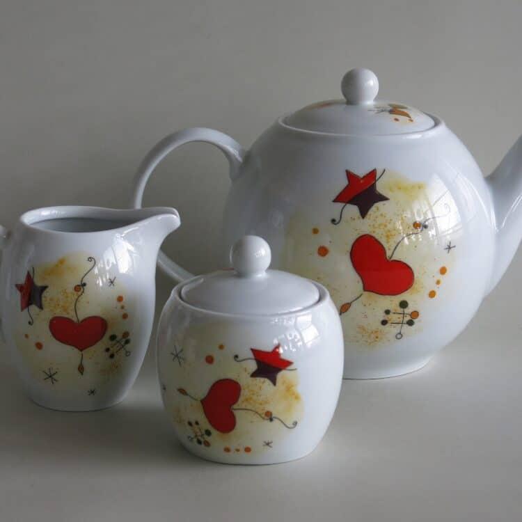 Frühstücksgeschirr Porzellan Teeservice Kanne 1,2l, Milchgießer 0,25l und Zuckerdose 0,25ml mit Miro Herzen