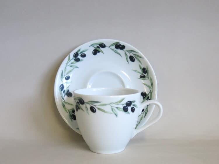 Porzellan Kaffeetasse Ole mit Unterteller, beides mit Olivenrand 2