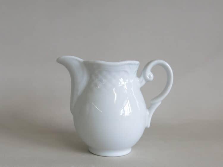 Milchgießer Afrodyta 150 ml aus weißem Porzellan