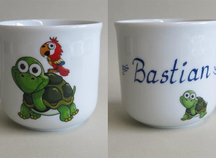 Kindergeschirr Porzellan kleiner Becher 230ml mit Schorschi Schildkröte & Piet Papagei und Namen