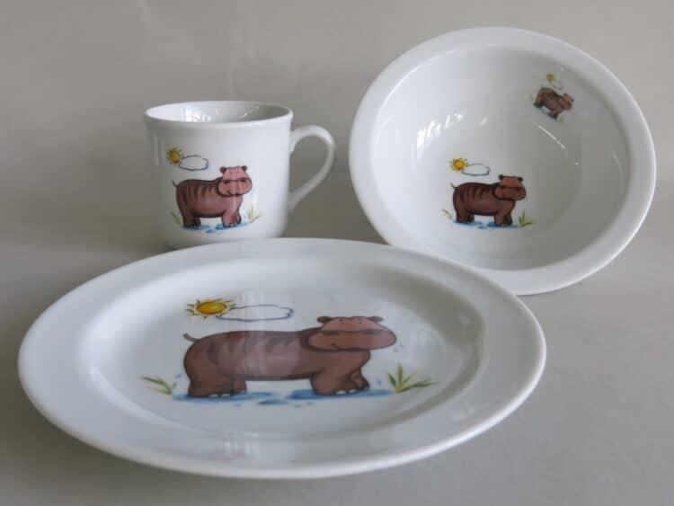 Kindergeschirr Porzellan Set, kleiner Becher 230ml, Müslischüssel 16cm und flacher Teller 19cm mit Nilpferd Sonne
