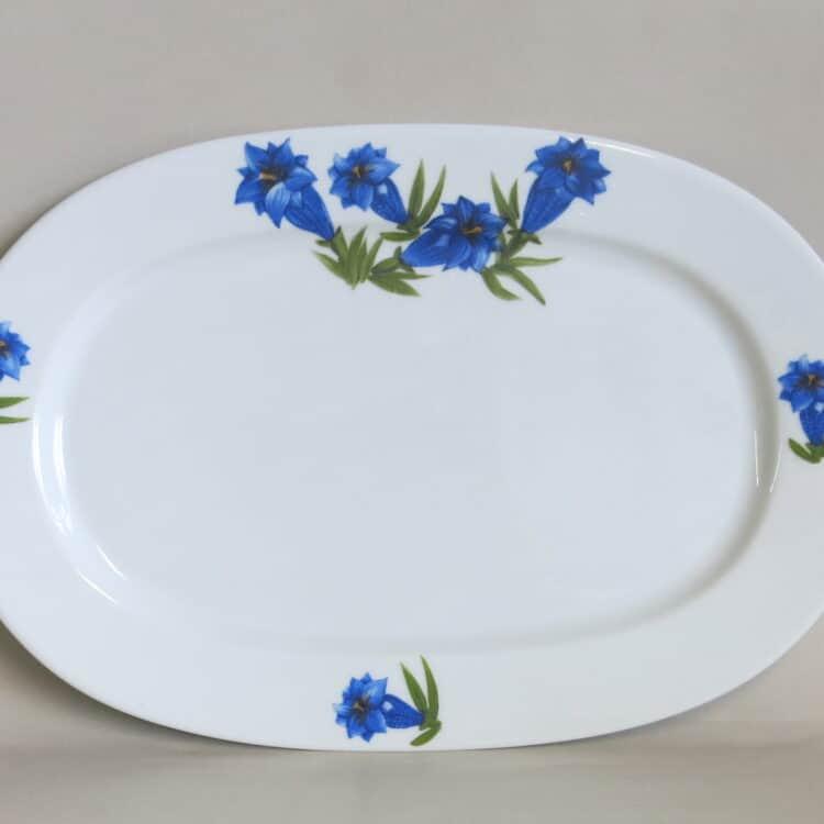 Ovale, glatte Porzellanplatte Opty mit blauem Enzian