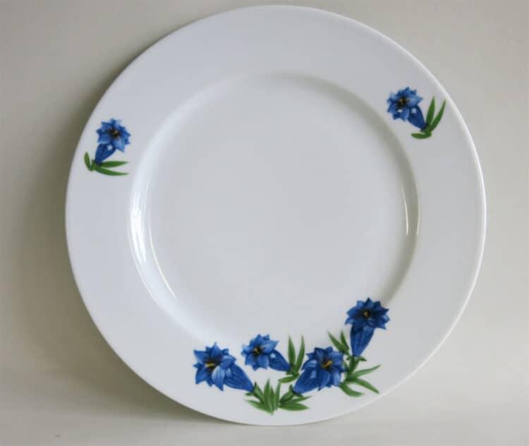 Flacher Porzellan Teller Opty mit Blauem Enzian